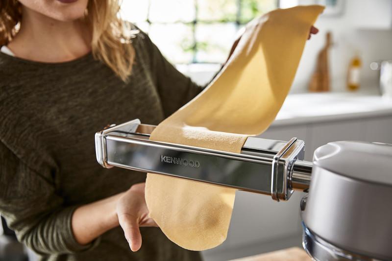 Pasta-Roller-Attachment-Kenwood.jpg