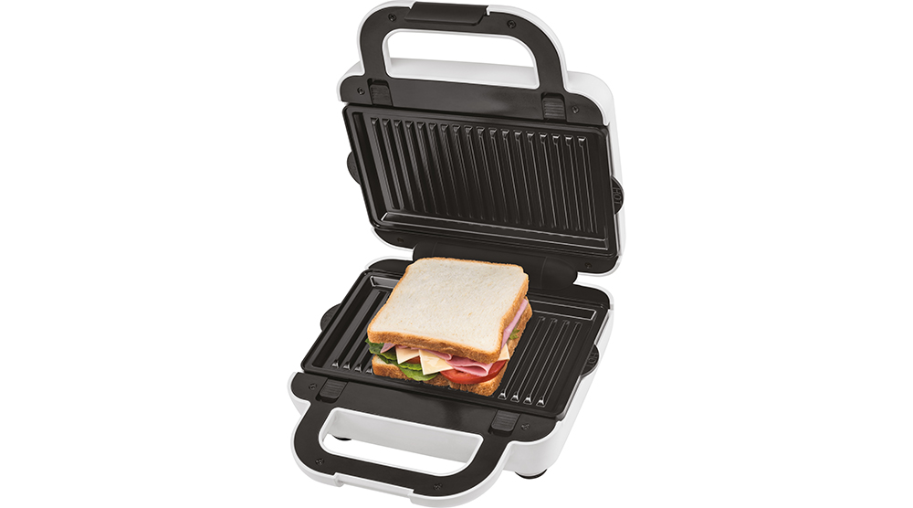 kenwood Toaster and Sandwich Maker 3-in-1 Waffle Sandwich Maker SMP84.C0WH features 2 sandwich on a grill plate